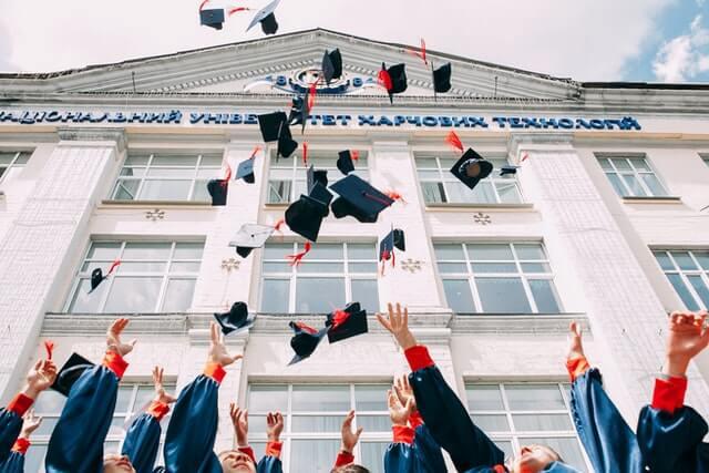 סיום תואר